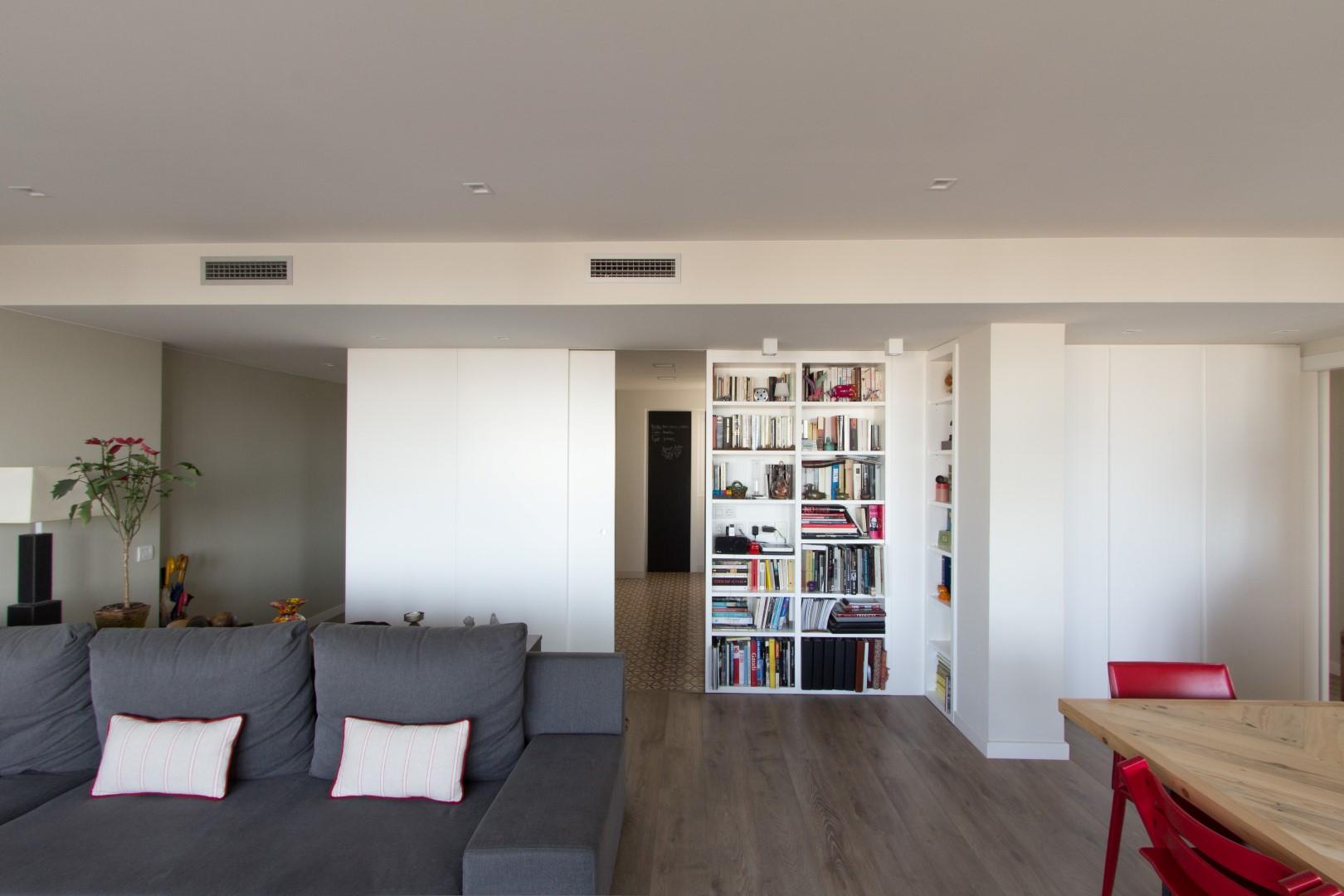 Vivienda en barcelona creaprojects for Programa interiorismo